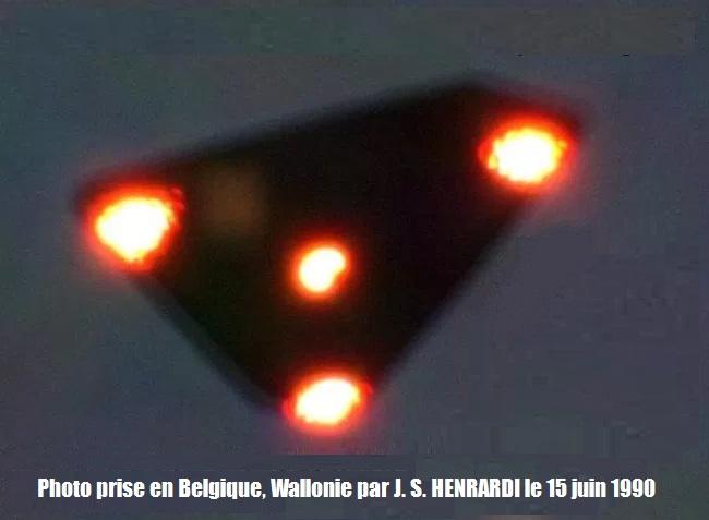 black-triangle-UFO eveil