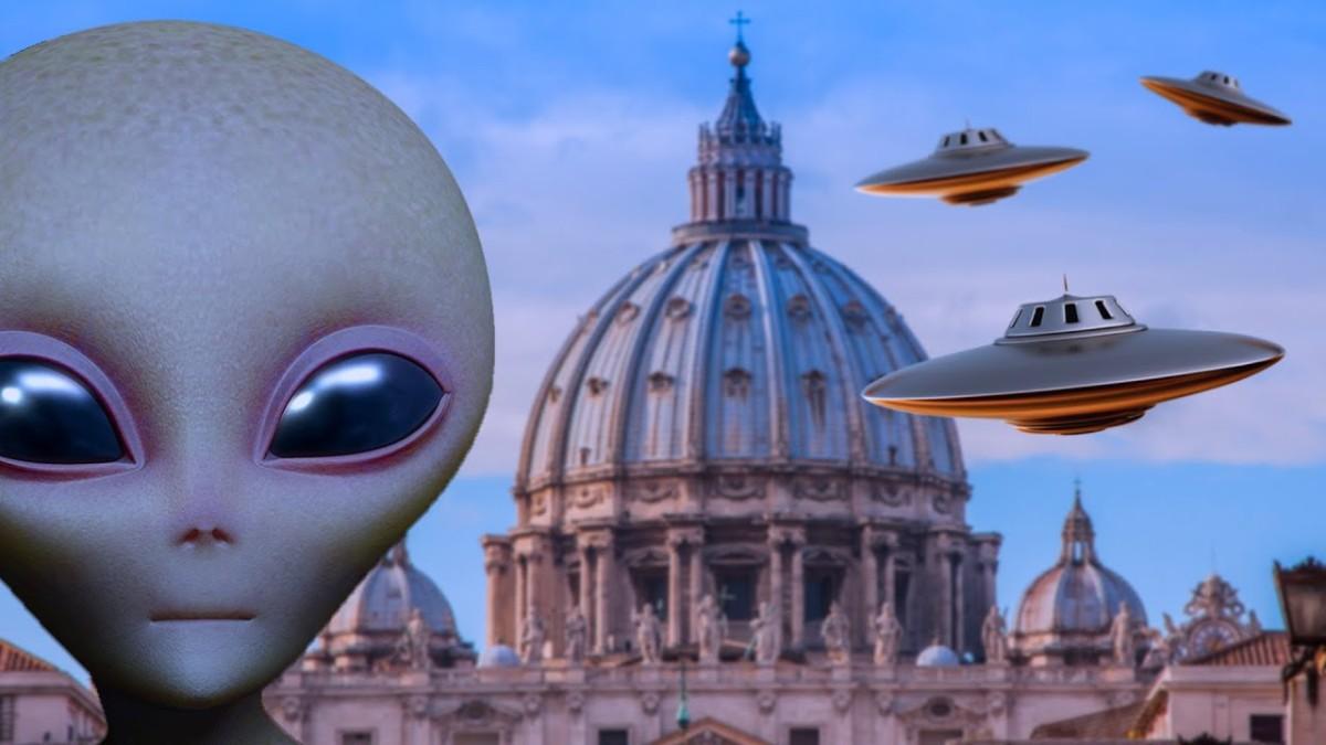 Le Vatican a des réunions avec des Extraterrestres - Connexion avec HAARP, Nibiru, la rencontre d'Eisenhower et des ET